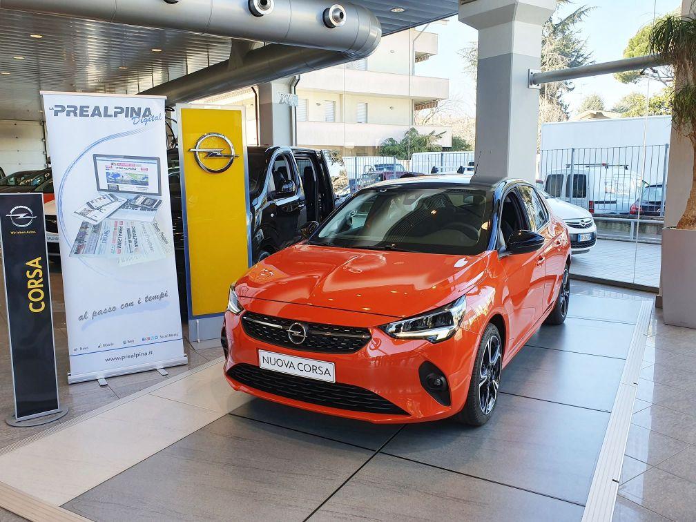 Road-Experience-Opel-Rezzonico-Auto-Opel-Corsa