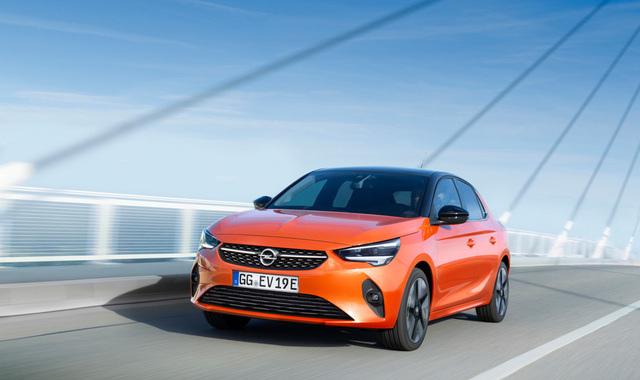 Opel Corsa e Corsa-e vincono Autobest
