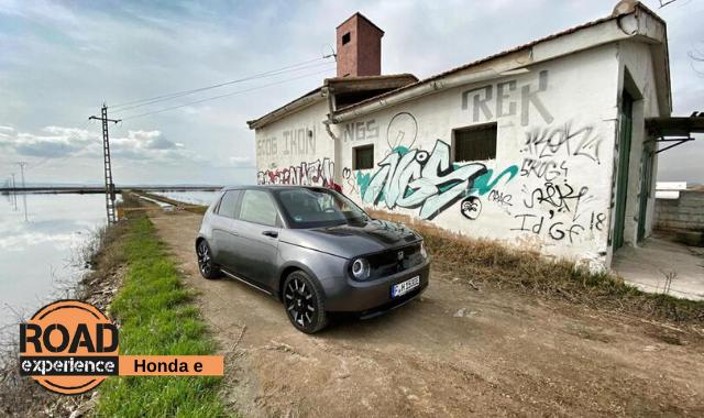 Honda e, l'electro-vintage del futuro
